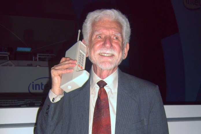 The Silver Life - Picking a cell phone